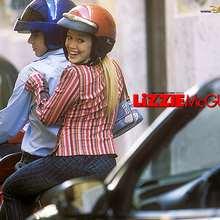 Fondo de pantalla : Lizzie en moto