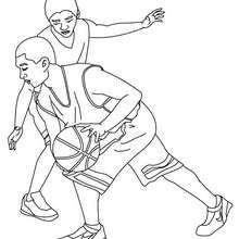 Dibujo para colorear : un defensor y un atacante de basquetbol