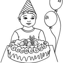 Dibujo para colorear : Niño con su pastel de cumpleaños