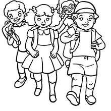 Dibujo grupo de alumnos llegando a la escuela - Dibujos para Colorear y Pintar - Dibujos para colorear de la ESCUELA - Dibujos VUELTA AL COLE para colorear gratis