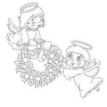 hermosos angeles de navidad con una corona de acebo