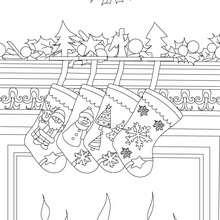 Dibujo para colorear chimenea decorada con hermosas calcetines de navidad - Dibujos para Colorear y Pintar - Dibujos para colorear FIESTAS - Dibujos para colorear de NAVIDAD - CALCETIN NAVIDAD para colorear