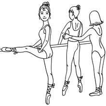 Dibujo para colorear bailarinas ensayando las posiciones en la barra - Dibujos para Colorear y Pintar - Dibujos para colorear DEPORTES - Dibujos de DANZA BALLET para colorear - Dibujo para colorear CLASE DE BALLET