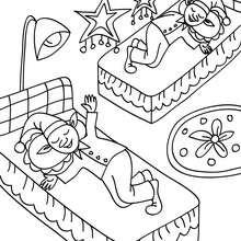 Dibujo para colorear duendes navideños durmiendo - Dibujos para Colorear y Pintar - Dibujos para colorear FIESTAS - Dibujos para colorear de NAVIDAD - Dibujos ELFOS DE NAVIDAD para colorear