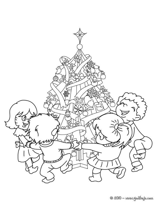 Dibujos para colorear los niños con los regalos al pie del arbol de ...
