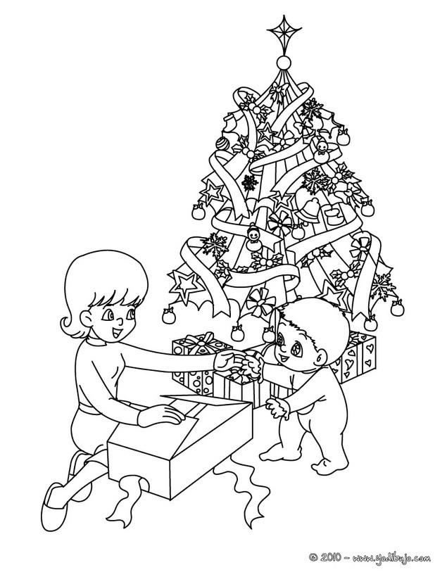 Dibujos para colorear arbol de navidad con niños y regalos - es ...