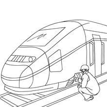 Dibujo para colorear MECANICO REPARANDO EN TREN AVE - Dibujos para Colorear y Pintar - Dibujos para colorear MEDIOS DE TRANSPORTE - Dibujos para colorear los TRENES - Dibujos del TREN AVE para colorear