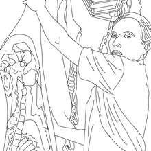 Dibujo de carnicero colgando la carne para colorear - Dibujos para Colorear y Pintar - Dibujos para colorear PROFESIONES Y OFICIOS - Dibujos de CARNICERO para colorear