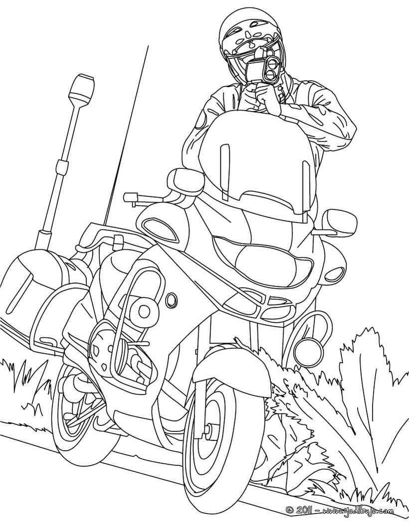 Dibujo para colorear : un policia en su moto controlando la velocidad