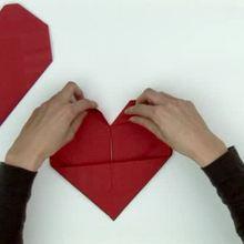 Video : Papiroflexia de corazón con servilleta de papel