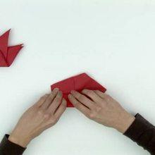 Papiroflexia de cisne con una servilleta de papel