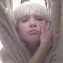 Video : Sia - Chandelier
