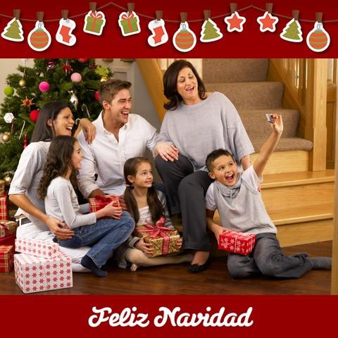 El Hogar Es Donde La Familia Se Divierte En Navidad