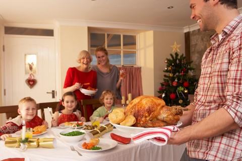 Noticia : El hogar es donde la familia se diviérte en Navidad