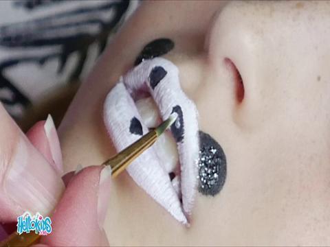 Arte manual : Maquillarse la boca - Panda