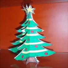 Manualidad infantil : Árbol de Navidad tridimensional