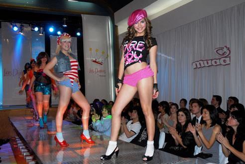 http://images.yodibujo.es/_uploads/membres/articles/20080414/20071121-patito-feo-4_k42.jpg