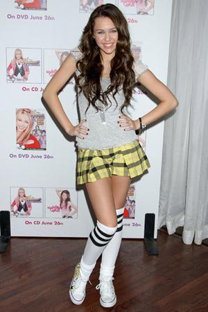 A Love Story (Fanfic sobre Nick) Miley-cyrus-2_7ln