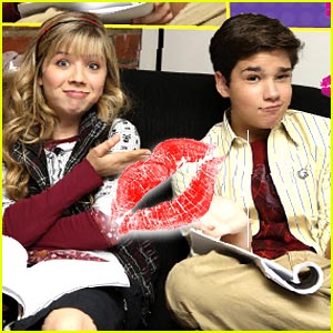 http://images.yodibujo.es/_uploads/membres/articles/20081251/bgaj8_jennette-nathan-icarly-kiss.jpg