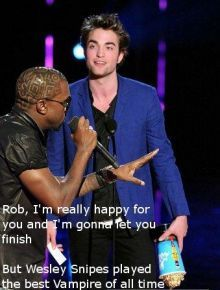 KANYE WEST INTERRUMPE A ROBERT PATTINSON