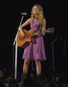Taylor Swift Fearless Tour on Capitulo 5  Llego El Momento De La Accion     Nick And You    Lamento