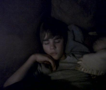 justin bieber sleeping shirtless. justin bieber sleeping bag.