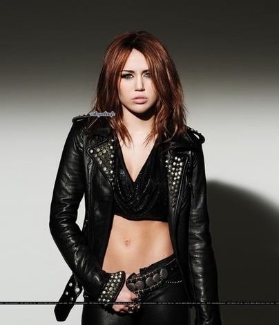 Lily Relation´s Can-t-be-tamed-miley-cyrus_8xc