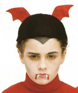 El vámpiro - Actividades - Fabricar con tus manos - Manualidades para cada fiesta del año - Fabricar materiales para Halloween - Maquillajes de Halloween